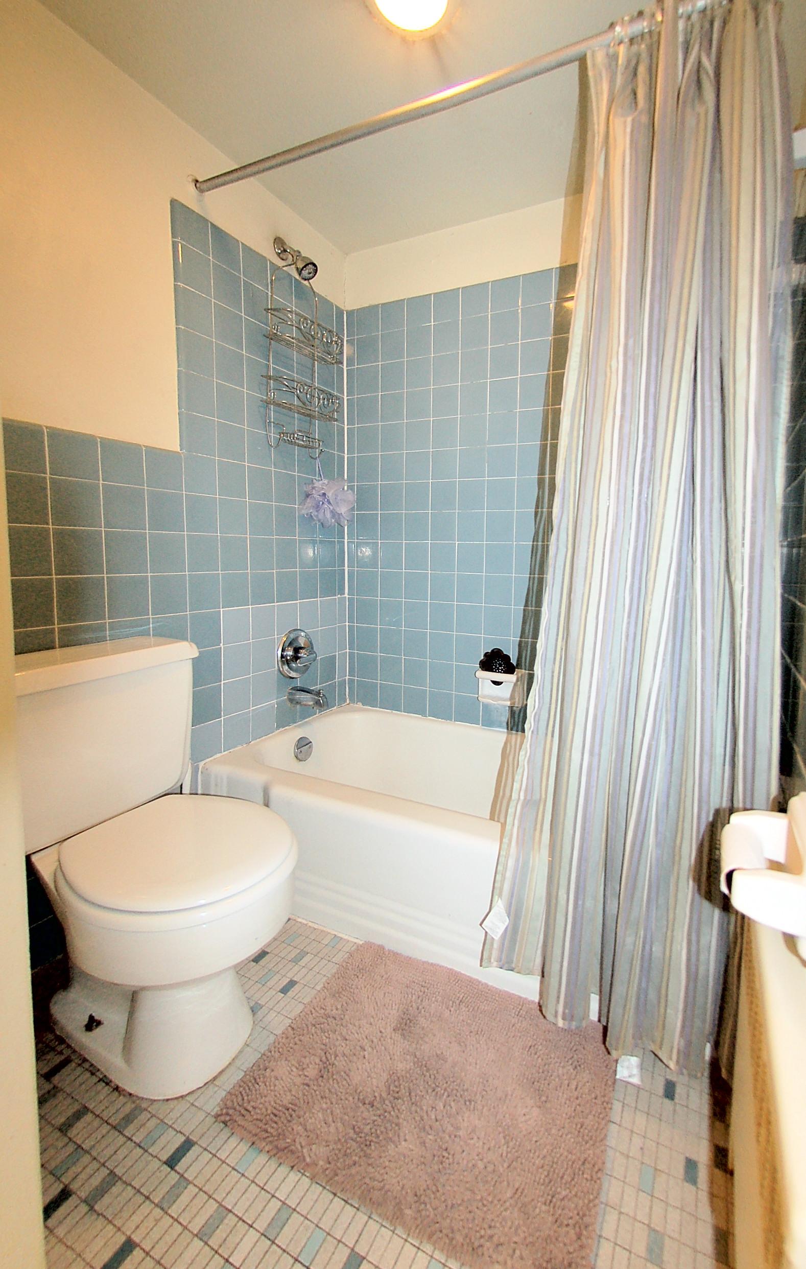 922TwentyFourthStNW-7-Bath2